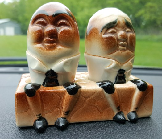 salt & pepper shakers (2)
