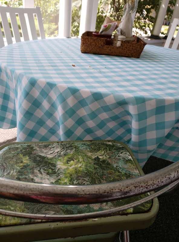 stool & table