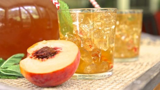fresh-peach-iced-tea-1024x576